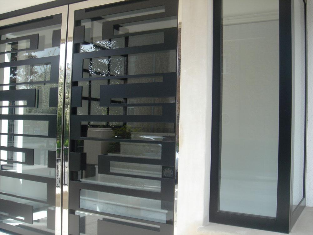 2_door2003_1